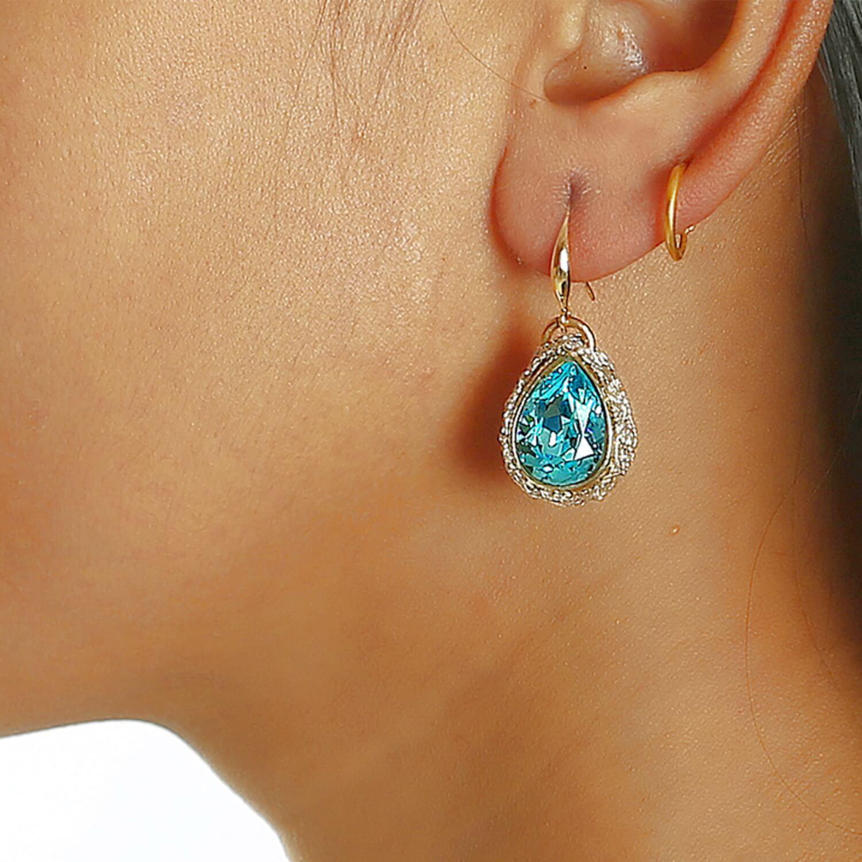 Lotty Sapphire Earring - Model