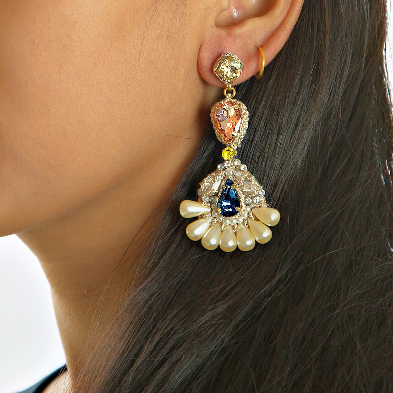 Porta Montana Chandelier Earring - Model