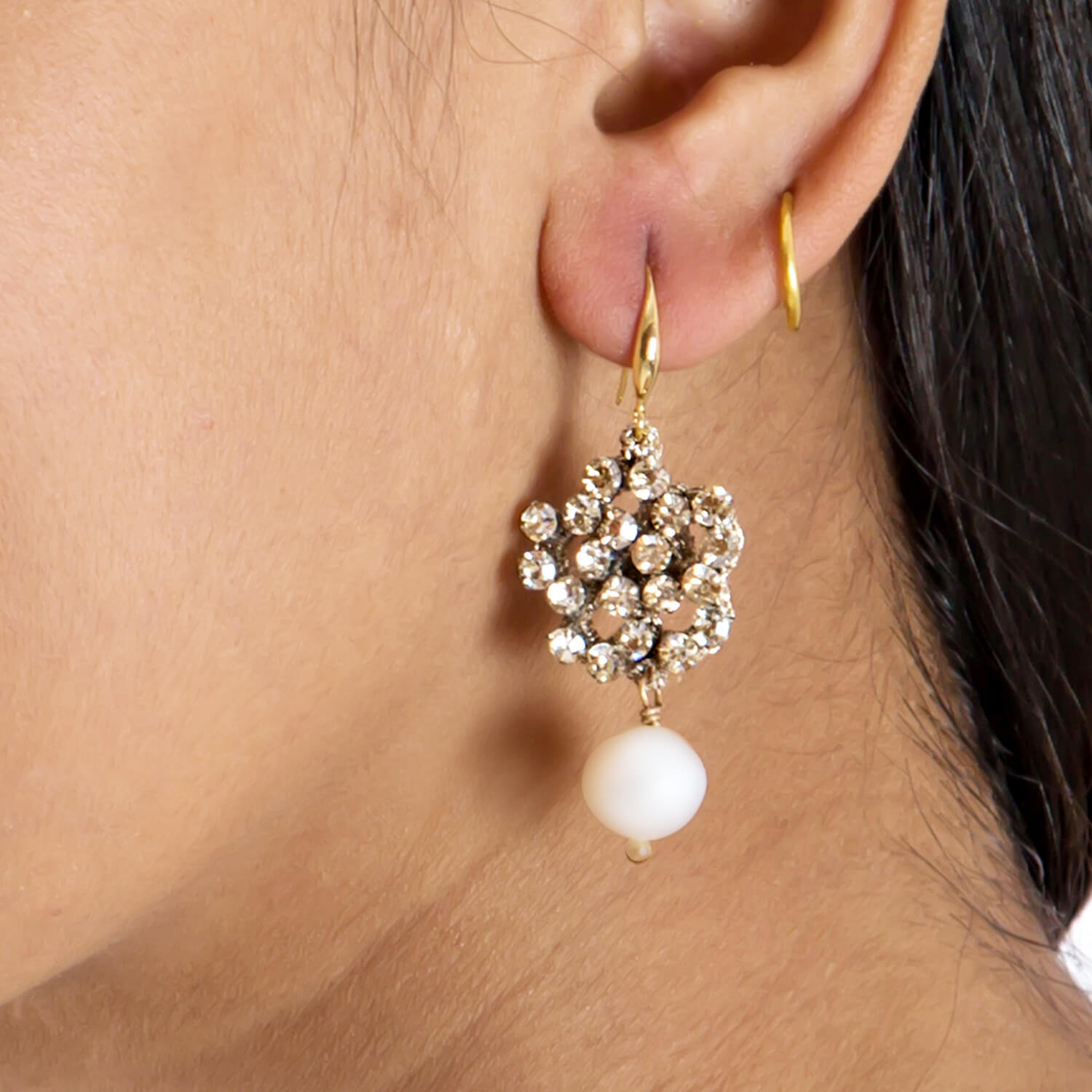 Dorcas Champagne Earring - Model