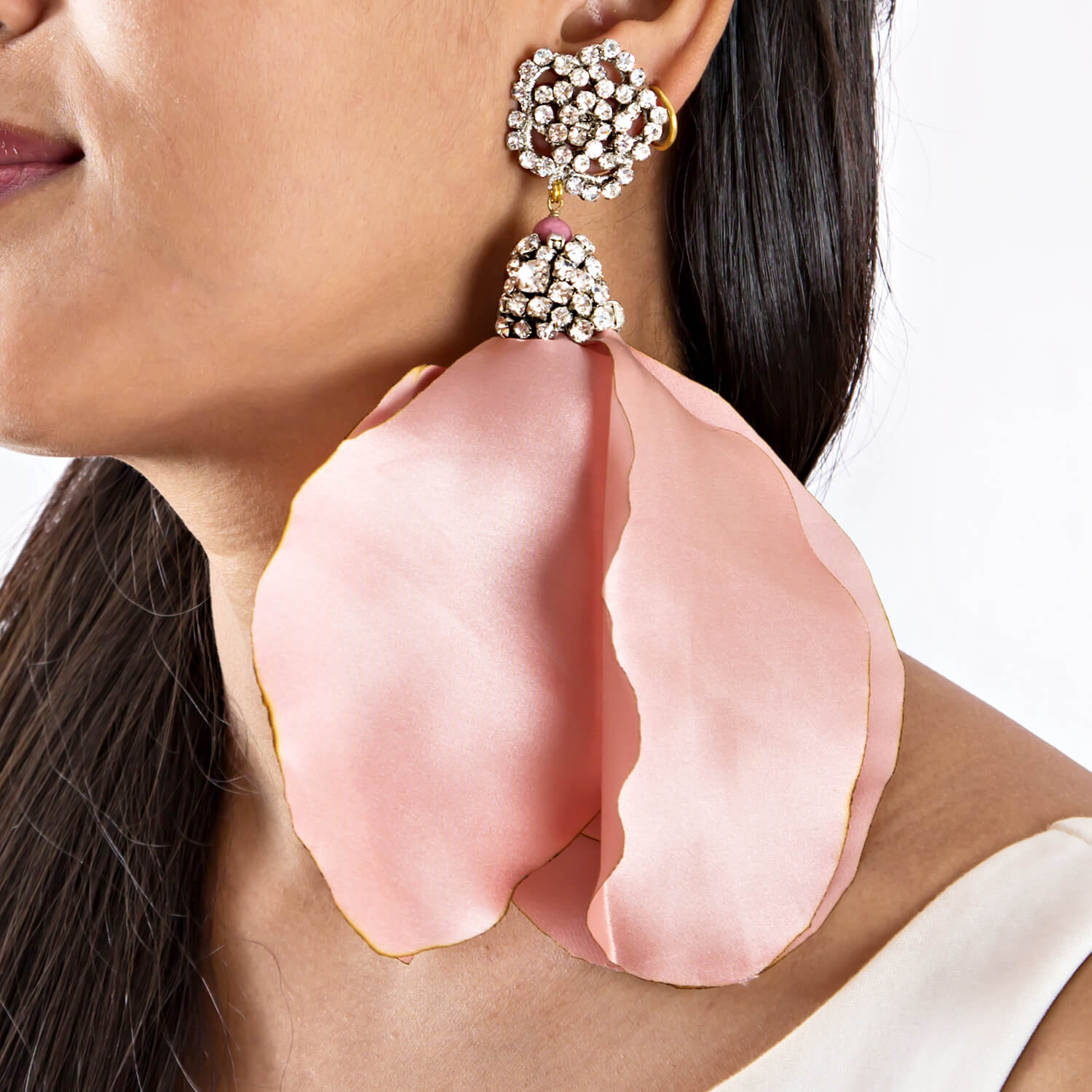 Isla Blush Rose Earring - Model
