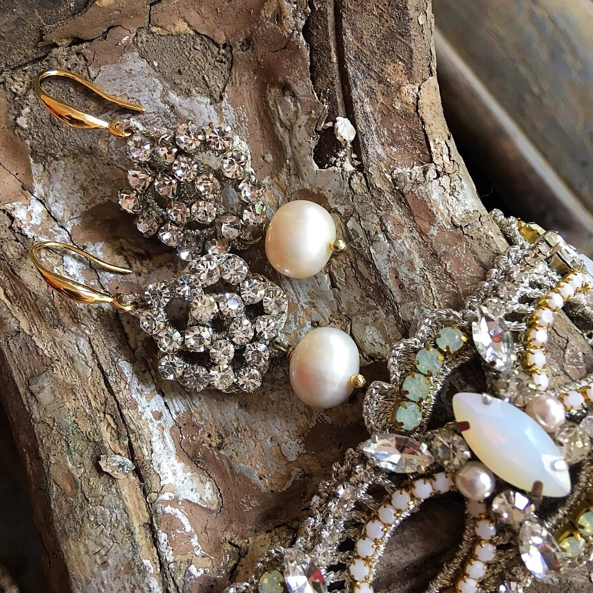 Disco Crochet Scallop Strap Bracelet - Clear Opal Pearl