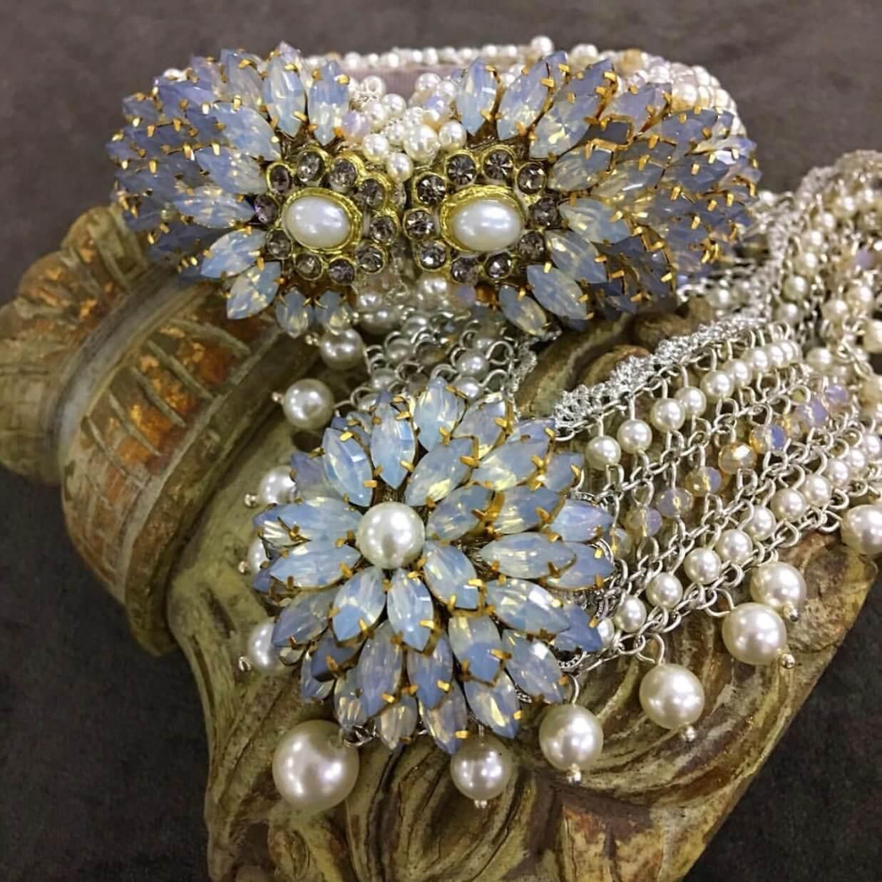 Versailles Collar- Opal Clear Pearl